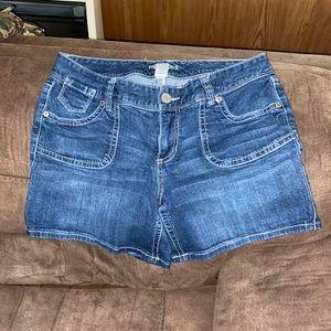 Woman's plus size maurices Jean short 16w